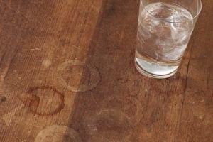 masadaki bardak izi nasıl silinir