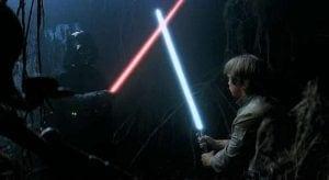 """""""Star Wars""""taki ışın kılıcının sesi nasıl oluşturulmuştur? Bir film projektörü gürültüsü ile arkası sökülmüş bir televizyona yaklaştırılmış mikrofonun kaydettiği ses karıştırılarak yapılmıştır."""