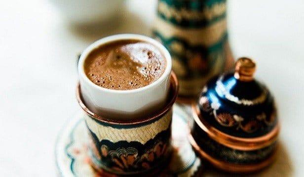 Türk Kahvesi Nasıl İçilir? Faydaları Nelerdir?